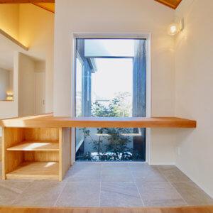 藤沢市鵠沼松が岡2丁目 4棟プロジェクト 室内からのシンボルツリー