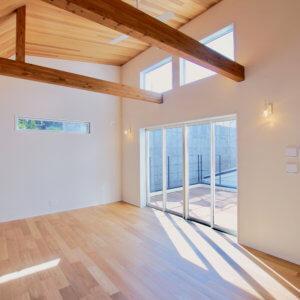 藤沢市鵠沼松が岡2丁目 4棟プロジェクト 大きな窓があり開放的なLDK