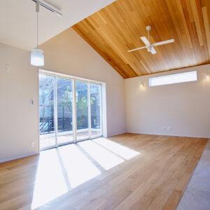 藤沢市鵠沼松が岡2丁目 4棟プロジェクト 大きな窓からベランダ