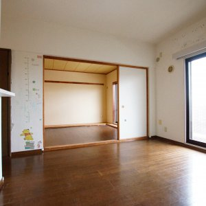 鎌倉由比ガ浜のリノベーションリビングから部屋Before