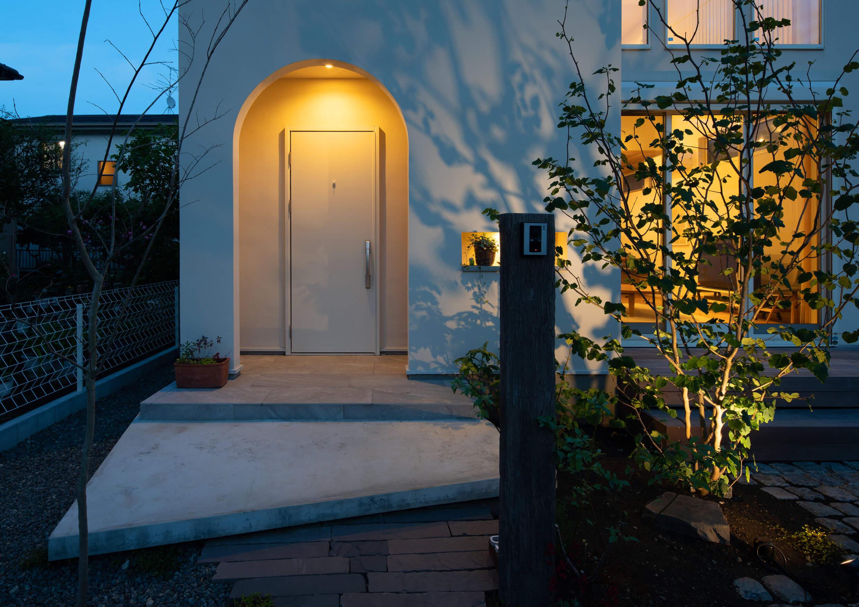 大磯の住宅-素足が似合う温もりのある家