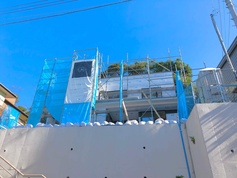 藤沢片瀬の住宅―海・富士山・江ノ島を望む家―外観工事中